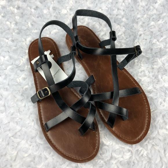 54ace1c1391a Universal Thread Lavinia Toe Wrap Thong Sandals 9M